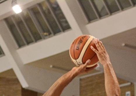 CSM CSU Oradea joacă miercuri seară în Germania, cu s.Oliver Wurzburg, în FIBA Europe Cup