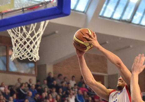CSM Oradea a pierdut cu Steaua şi la baschet: 80-85, la Bucureşti