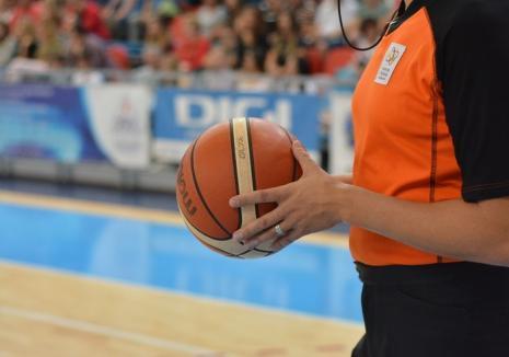 Baschetbaliştii de la CSM CSU Oradea debutează în noul sezon oficial miercuri seară, în Bulgaria
