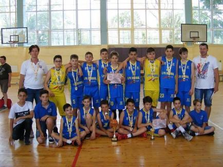 Micii baschetbaliştii de la LPS Bihorul au obţinut victorii pe linie la primul turneu al Campionatului Naţional U14