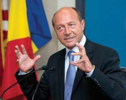 Băsescu îi arată pisica ministrului de Interne?