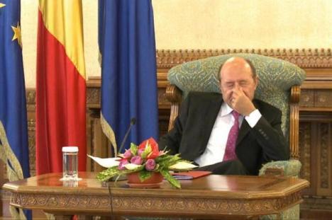 """Băsescu anunţă şi alte filme de la Cotroceni: """"Ponta a fost un bărbat number one. A sacrificat-o pe Ioana Popescu"""""""