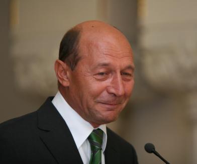 Băsescu nu mai vrea ca poliţiştii să-i asigure protecţia