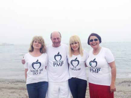 Băsescu, despre soluţia depolitizării instituţiilor: E simplu, votaţi PMP