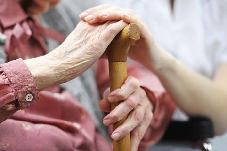 Direcţia de Asistenţă Socială Oradea oferă servicii gratuite de îngrijire a bătrânilor aflaţi în dificultate