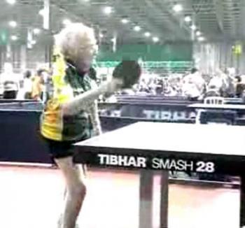 Campioană la tenis de masă, la 100 de ani (VIDEO)