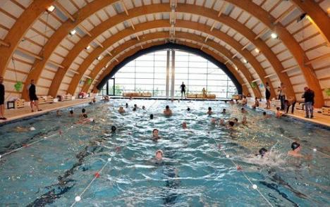 Asociaţia pentru Dezvoltare Durabilă Bihor va face studii de fezabilitate pentru bazine de înot în toate oraşele şi pentru o centură a Salontei