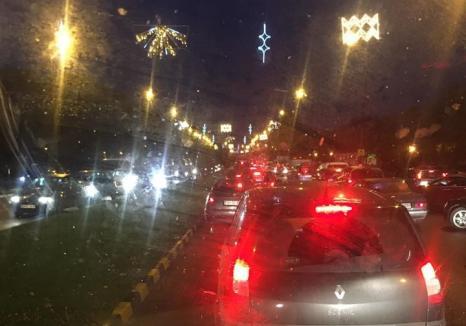 Accident mortal pe Bulevardul Dacia din Oradea. O femeie a traversat prin loc nepermis şi fără să se asigure (VIDEO)