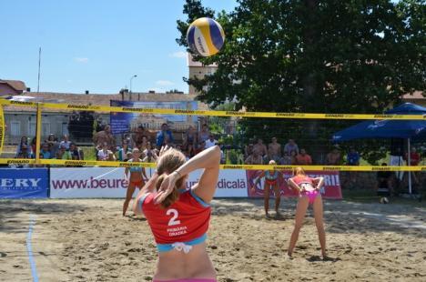 Ștrandul Ioșia Nord găzduiește primul turneu de beach-volley al sezonului