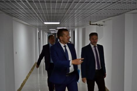 Dezbaterile Consiliului Local Oradea se vor muta în beciurile Primăriei (FOTO)