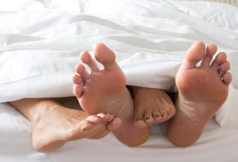 Se angajează  'încălzitori' de paturi!