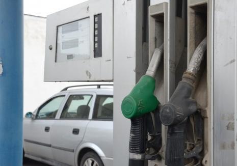 Accizele la carburanți au crescut în noaptea de joi spre vineri. Urmează încă o scumpire