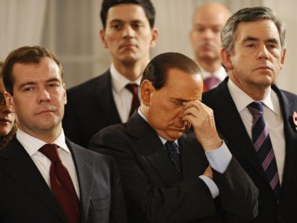 Berlusconi a adormit la ceremonia care a marcat căderea Zidului Berlinului (VIDEO)
