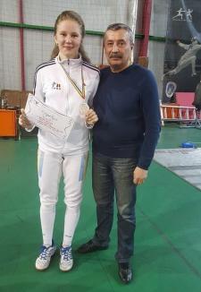 Bianca Benea, medaliată cu bronz la Campionatul Naţional de spadă pentru junioare!