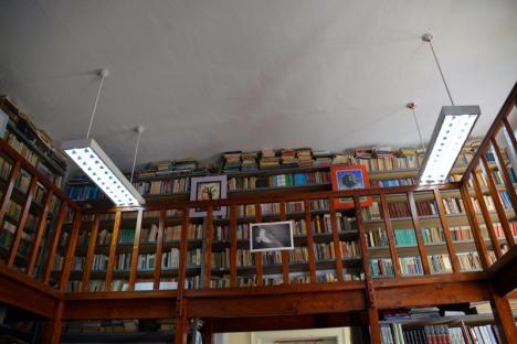 Academicieni şi specialişti de renume care au învăţat la Colegiul Emanuil Gojdu şi-au trimis cărţile în biblioteca şcolii (FOTO)