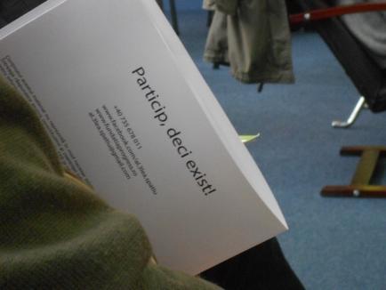 Poftiţi la dezbateri! La Biblioteca Judeţeană a fost inaugurat Cuibul Democraţiei (FOTO)