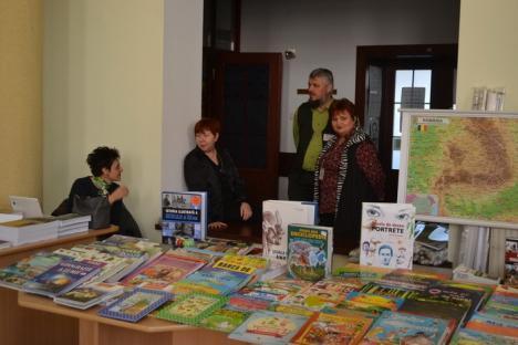 Forfotă la Bibliotecă. La Ziua Porţilor Deschise, orădenilor li s-au pregătit expoziţii, concerte şi ateliere (FOTO)
