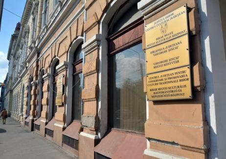 Filialele Bibliotecii Judeţene rămân pe loc. Consiliul Judeţean va reface faţada sediului din Parcul 1 Decembrie
