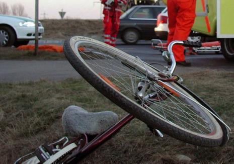 Accident de pomină în Bihor: Cum se pot ciocni doi bicicliști pe un drum comunal