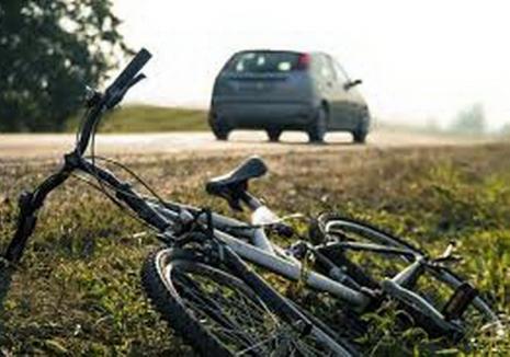 Un bărbat din Bihor s-a urcat beat pe bicicletă şi a ajuns la spital. Acum s-a ales şi cu dosar penal