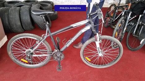 Mici şi răi: Doi adolescenţi din Ciumeghiu au furat 4 biciclete în două zile