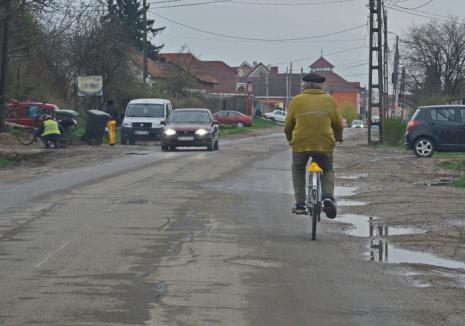 Dosar penal, în prag de Sărbători: O orădeancă este anchetată de poliţişti, după ce a acroşat un biciclist şi a fugit