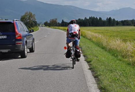 Atenţie, şoferi! Noi reguli de depăşire a bicicliştilor