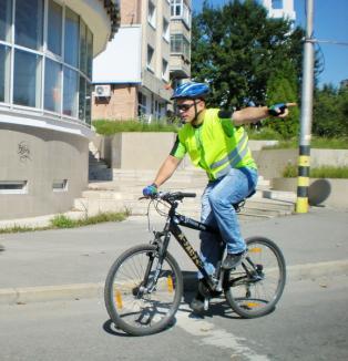 Bicicleta, cel mai rapid mod pentru a ajunge din Rogerius la Primărie (FOTO)