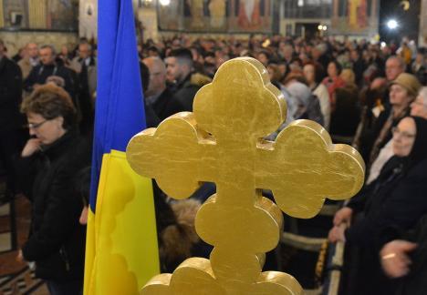 Şi sub Bolojan, Consiliul Judeţean Bihor alocă bani bisericilor. Ce-i drept, mai puţini ca-n trecut