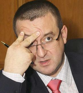 1 milion de euro pentru Blejnar, prin intermediul avocatului arestat