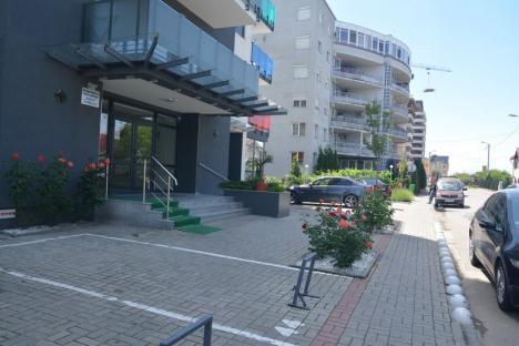 Captivi între betoane: Noile blocuri şi centre comerciale din Oradea sunt aglomerări de betoane fără verdeaţă (GALERIE FOTO)