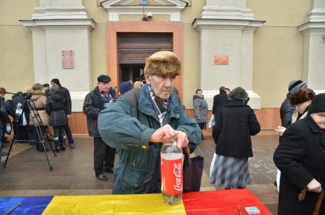 Boboteaza: Mii de credincioşi ortodocşi şi catolici au participat la slujba de sfinţire a apelor la bisericile din Oradea (FOTO / VIDEO)