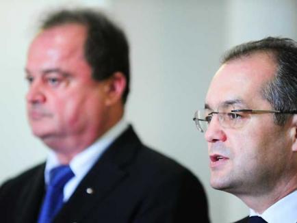 Boc şi Blaga candidează la şefia PDL