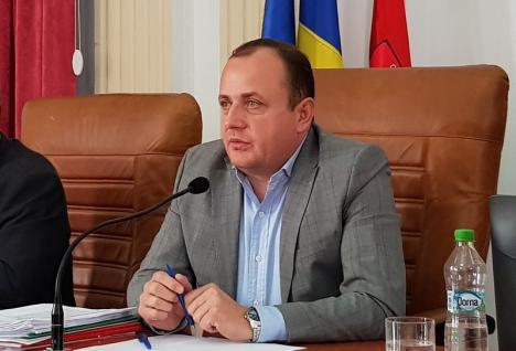 Ieşire dură a vicepreşedintelui CJ Bihor, Traian Bodea: La DGASPC funcţionează un sistem 'similar mafiei italiene'