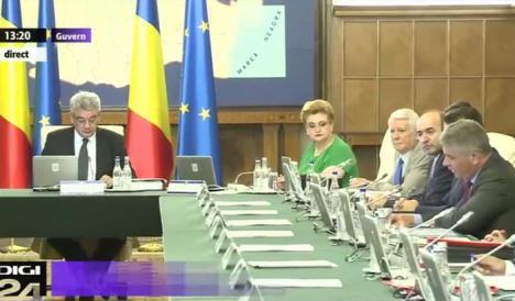 Ministrul Florian Bodog a fost mustrat public de premierul Mihai Tudose pe tema vaccinurilor şi ambulanţelor pentru SMURD