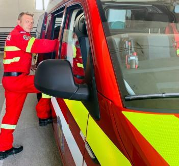 Salvator şi în timpul liber: Un pompier bihorean aflat în concediu a intervenit voluntar la un accident rutier