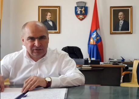 Primarul Ilie Bolojan: Verificări obligatorii cu termometre cu infraroşu la companiile cu peste 50 de angajaţi şi în pieţele din Oradea (VIDEO)