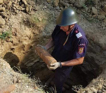 Bombă în cimitirul din Oradea: Muniţia a fost dezgropată de un muncitor care săpa un mormânt