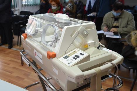 Salvaţi copiii! Echipamente de 47.000 euro donate secţiei de Neonatologie a Spitalului Judeţean (FOTO)