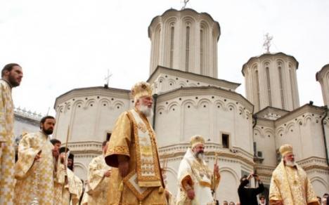 Neutră: Biserica Ortodoxă Română neagă implicarea în confruntările electorale