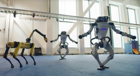 Mai bine ca oamenii! Dansul unor roboţi umanoizi cucereşte internetul (VIDEO)