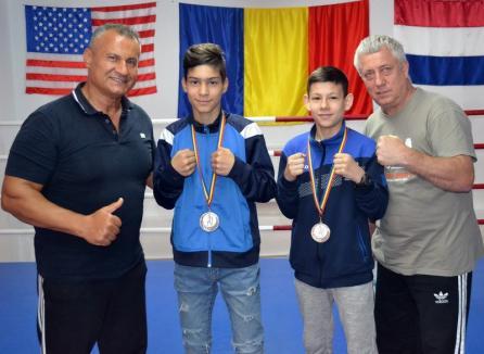 Box: Luptătorii clubului Gym Mar Strong, medaliaţi cu argint la Cupa României