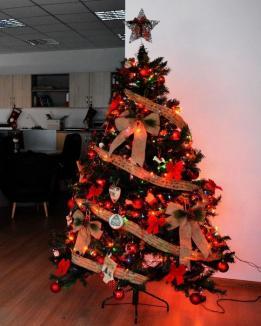 Atenţie la pomii de Crăciun: instalaţiile şi ornamentele pot declanşa un incendiu