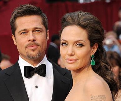 Brad şi Angelina s-au căsătorit în secret