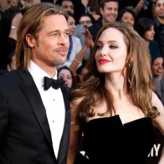 Brad Pitt şi Angelina Jolie s-ar fi căsătorit în secret