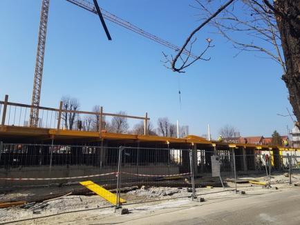 ADP Oradea: Continuă lucrările la parcarea de pe stradaBraşovului