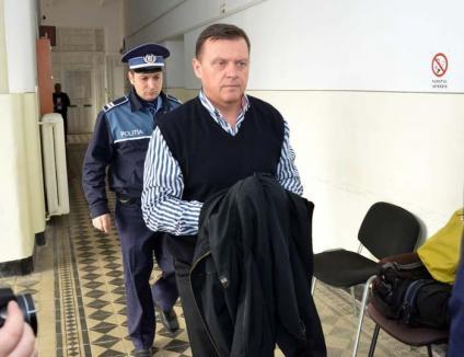 Tribunalul Cluj l-a trimis pe fostul adjunct al Poliției Bihor în arest la domiciliu. Verdictul final îl dă Curtea de Apel