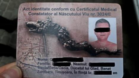 """Un şofer le-a prezentat polițiștilor un buletin pe care scria """"născut viu din Ducatul lui Glad"""". A fost amendat cu aproape 4.000 lei"""