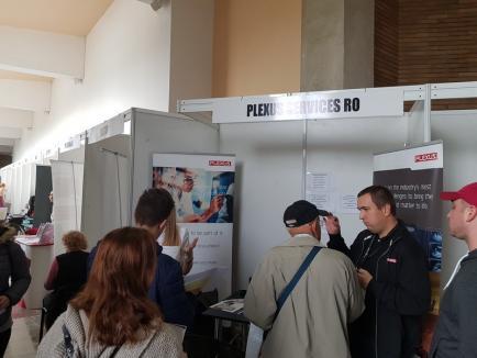 Joburi multe, pretendenţi mai puţini, la Bursa locurilor de muncă: 'Patronii angajează pe oricine are capul pe umeri!' (FOTO)