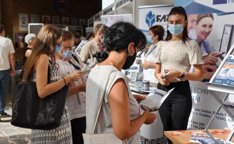 Firmele din Bihor care caută angajaţi se pot înscrie gratuit la Bursa Locurilor de Muncă